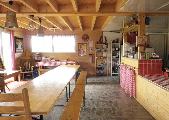 hébergement insolite - auberge équit'tables - location de salle - restauration - http://dormirdanslaprairie.fr/